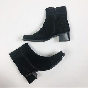 La Canadienne Block Heel Square Toe Ankle Booties